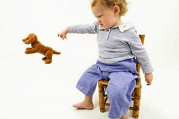 Crizele de isterie ale copilului de 2-3 ani sunt o etapa normala in dezvoltarea sa