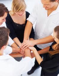 Inspira loialitate si spirit de echipa
