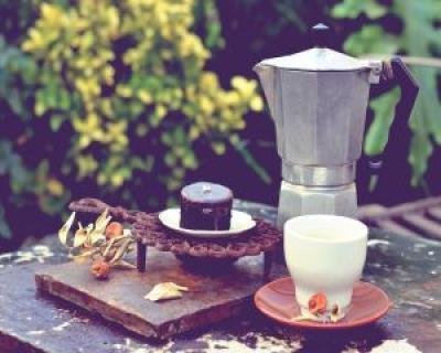 Supla si plina de energie: alege dieta cu ciocolata, cafea si vin rosu