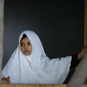 Ce-nseamna sa fii fata in Afganistan