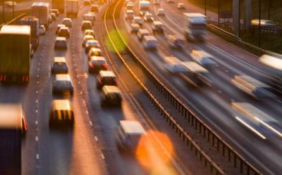 Ordonanta de urgenta privind suspendarea taxei de poluare pentru autovehiculele inmatriculate inainte de 2007 a fost publicata in MO