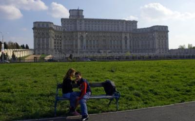 Scoala Altfel 2012. Peste 4.000 de prescolari si elevi, in vizita la Palatul Parlamentului
