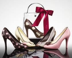Targ de pantofi si genti: SHOES IT