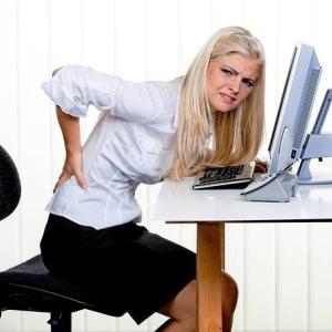 Corectati-va postura pentru a preveni durerile de spate