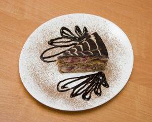Reteta zilei: Tort cu nuca