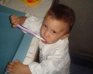 Cum ii inveti pe copii sa se spele