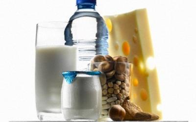 Prevenirea osteoporozei: ce sa mananci si ce sport sa practici pentru a avea un aport mai mare de calciu