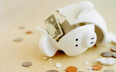 Mugur Isarescu: Si cele mai incapatanate banci trebuie sa scada dobanzile