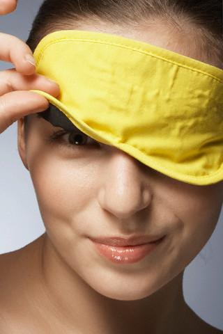 Tratamente naturiste pentru ochii umflati