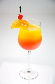 2 cocktail-uri delicioase: cocktail Martini si cocktail Tequila Sunrise