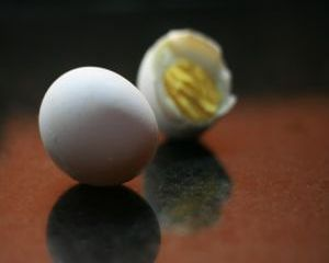La ce te ajuta albusul de ou