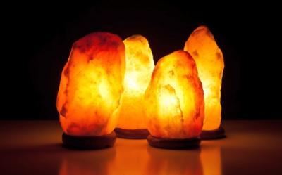 Lampa cu cristale de sare Himalaya si beneficiile ei miraculoase
