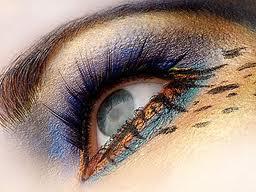 Cateva idei pentru un machiaj al ochilor plin de culoare