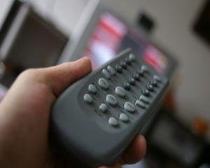 De ce este periculos pentru silueta sa mancam in fata televizorului