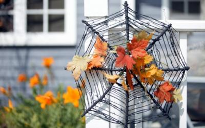 Decoratiuni DIY de Halloween. Plasa de paianjen