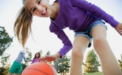 Cum sa il faci pe copil sa se joace mai mult afara