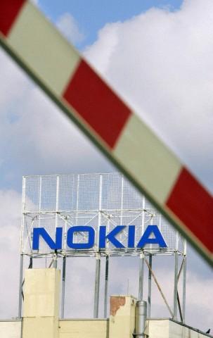 Salariatii de la Nokia - Jucu vor primi cel putin cate trei salarii compensatorii