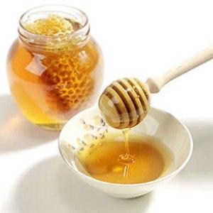 De ce ar trebui sa inlocuiesti zaharul cu mierea