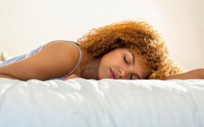 Cele mai bune pozitii de dormit. Vezi care ti se potriveste