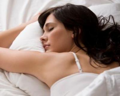 5 alimente care te ajuta sa adormi mai repede