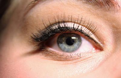 Cum se aplica corect eyeliner-ul! Pana acum ai facut-o gresit!