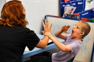 Exista o legatura intre autism si timpul pe care-l petrecem cu copiii?