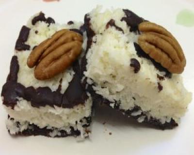 Desert fara coacere: batoane cu ciocolata si nuca de cocos