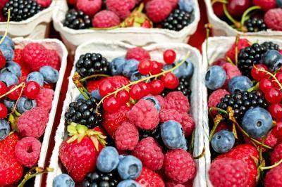 7 Fructe sanatoase pe care ar trebui sa le consumi mai des