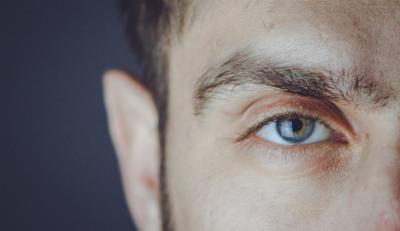 Ce trebuie sa stii ca sa-ti iei lentile de contact pe marimea ochilor tai