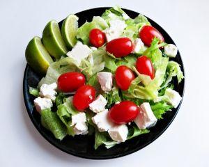Salata de pui cu branza feta