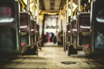 3 Boli de care sa te feresti in mijloacele de transport in comun