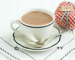 De ce este bine sa bei inainte de culcare o cana de cacao cu lapte