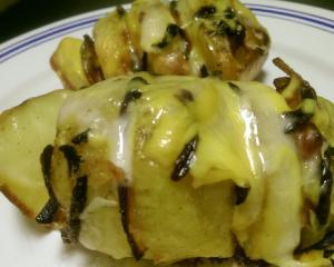 Cartofi cu kaizer afumat si cascaval