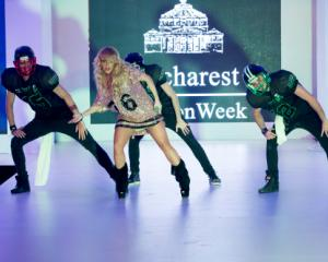 Bucharest Fashion Week si-a desemnat castigatorii: Lucian Sanmartean, Anda Adam si Andreea Dogaru, printre favoriti