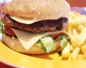 Fast-food: Cum poate afecta apetitul pentru alimente sanatoase