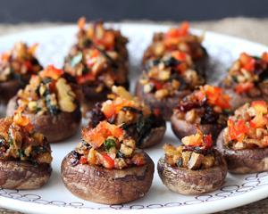 Reteta de post: ciuperci umplute cu legume la cuptor
