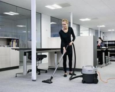 De ce ar trebui sa angajezi o firma de curatenie: timp, bani, profesionalism