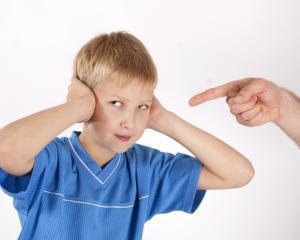 10 expresii pe care NU trebuie sa le spui niciodata copilului tau