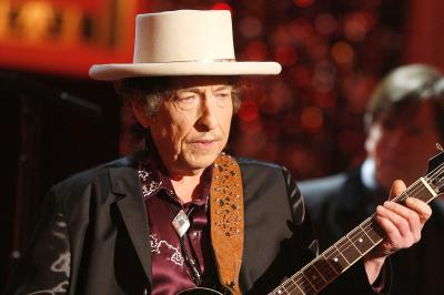De ce a fost dat in judecata Bob Dylan