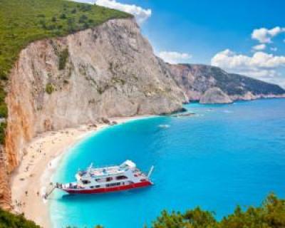 Top 5 destinatii de vacanta preferate de turistii romani