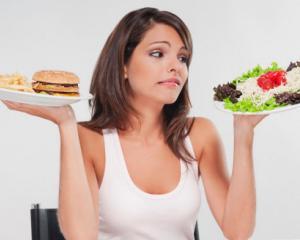 Iti doresti un abdomen plat? Iata ce alimente trebuie sa eviti