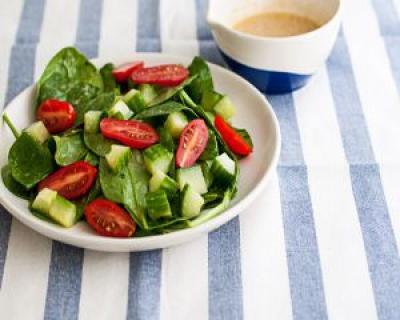 2 dressinguri pentru salate recomandate de Jamie Oliver