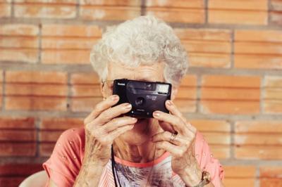 In varsta de 102 ani, o femeie din Alba s-a vindecat de Covid in comuna cu cea mai mare rata de infectie