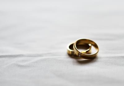 O femeie romanca s-a casatorit cu un albanez care avea interzis in Schengen