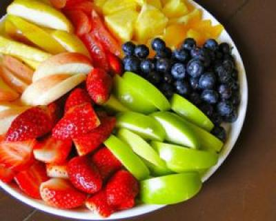 INFOGRAFIC: Top 12 fructe si beneficiile pentru sanatatea ta