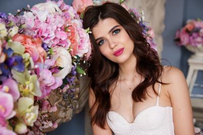 Opt combinatii vestimentare pe care sa NU le faci la o nunta