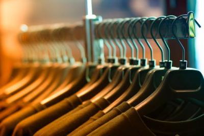 4 lucruri pe care o vanzatoare de haine nu ti le spune niciodata