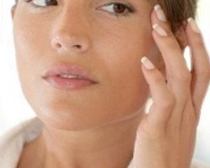5 factori care contribuie la imbatranirea prematura a pielii