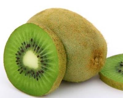 Kiwi, remediu naturist pentru o piele fina si un par matasos