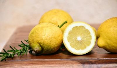 5 Ingrediente naturale pe care nu trebuie sa le mai folosesti pe ten
